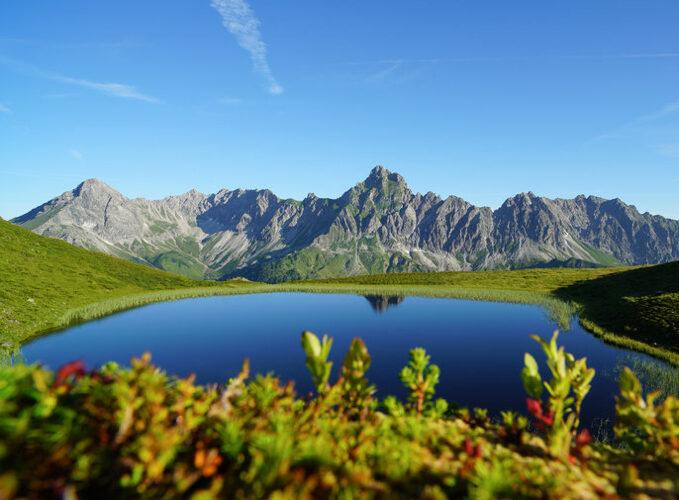 Golmer See unterhalb des Golmer Grates mit Blick auf die Zimba (c) Oberhauser Photography - Vorarlberg Tourismus